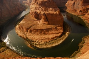 1000 Foot cliffs at Lake Powell